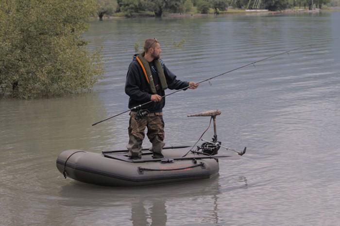 что купить для рыбалки с лодки